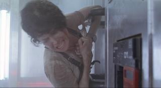 Ripley Aliens final scene ladder suction