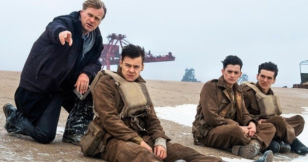 Christopher Nolan Filming Dunkirk